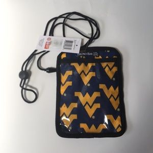 West Virginia wvu nwt passport badge pouch bag